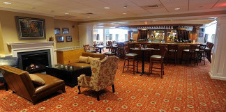 FETTM8ZMA_04-15-14_Gallery-Deerfield inn-1